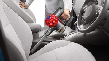 How to use a Car Vacuum Properly